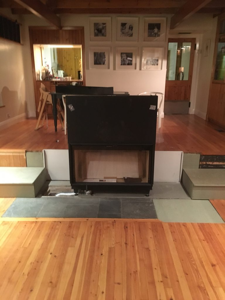 Installation of centre-piece feature stove
